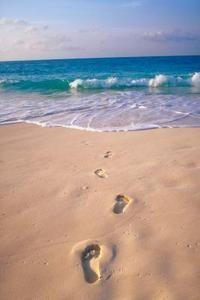 19bd7aba55cdbcc4ed4b20a270dd24e1-romantic-beach-beautiful-beach