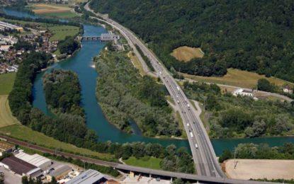 Kies belebt Ökosystem in der Aare unterhalb des Alpiq Wasserkraftwerks Ruppoldingen